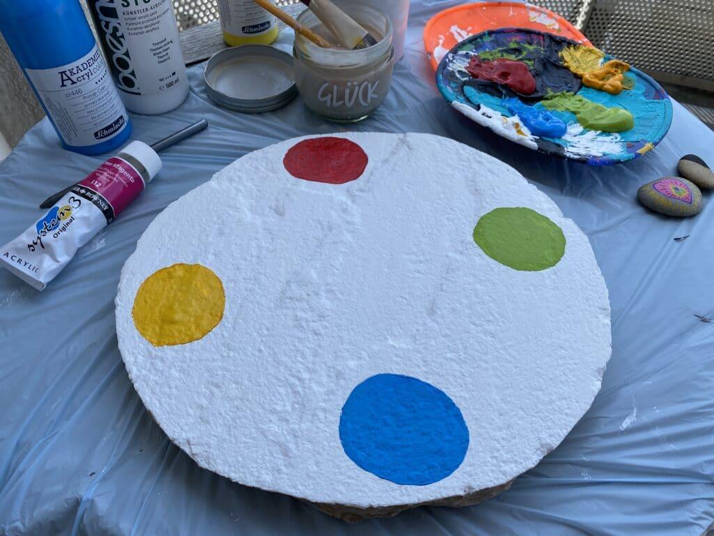 Spiel selber machen mit Acrylfarbe